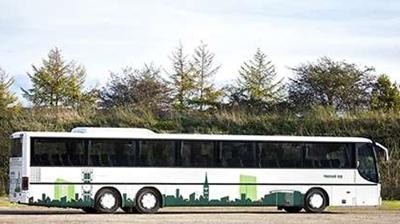 Turistbusser til rejser med bus for op til 65 personer