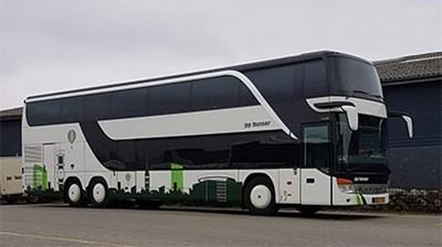 Turistbusser til rejser med bus for op til 78 personer