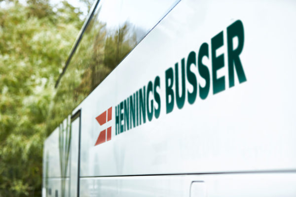 Leje af bus med chauffør ved Hennings Busser